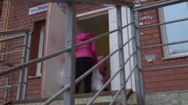 Крутая лестница стала препятствием напути жителей мкр.Мирный.