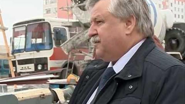 Глава администрации города оценил санитарное состояние улиц идворов.
