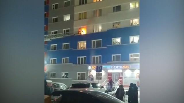 При пожаре вмногоэтажном доме напроспекте Ленинградский пострадали двое детей.