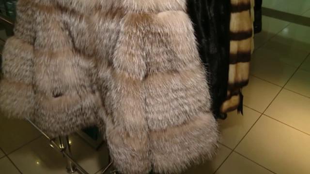 ВДеловом центре «Ямал» открылась выставка-продажа меховых изделий «РОСМЕХ».