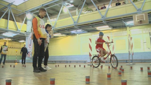 ВНовом Уренгое проходит городской этап конкурса юных инспекторов дорожного движения