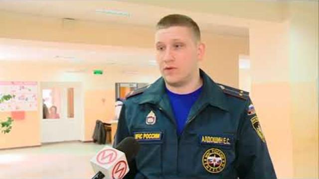 В средней школе им. Дмитрия Коротчаева прошла плановая пожарная эвакуация
