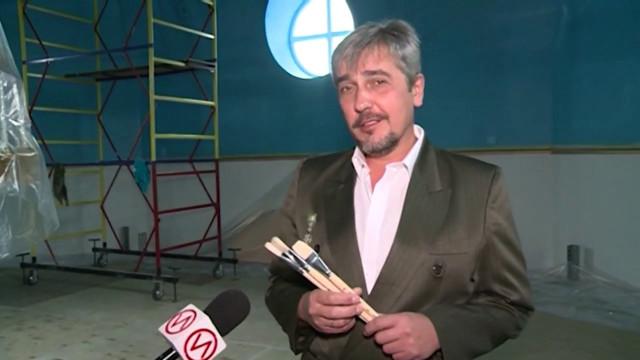 Художник-иконописец Сергей Осипов продолжает расписывать храм Благовещения Пресвятой Богородицы.