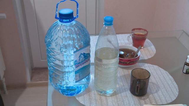 Глава города встретился сжильцами микрорайона Строителей, которые пожаловались накачество воды