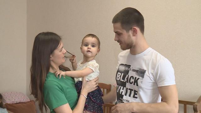 Новоуренгойцы могут помочь маленькой жительнице Нефтеюганска побороть болезнь