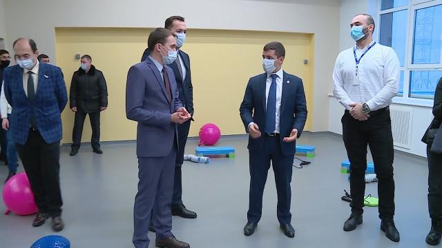 Губернатор Ямала оценил готовность инфекционного госпиталя идвух детских садов вНовом Уренгое