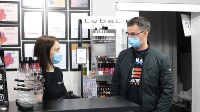 В Новом Уренгое продолжаются проверки салонов красоты на соблюдение санитарно-эпидемиологических норм