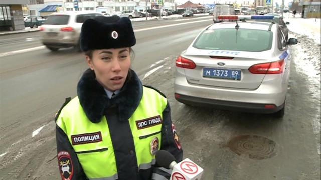 ВНовом Уренгое нелегальным таксистам рекомендуют выйти изтени.