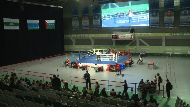 Чемпионат УрФо побоксу среди женщин впервые проходит вНовом Уренгое