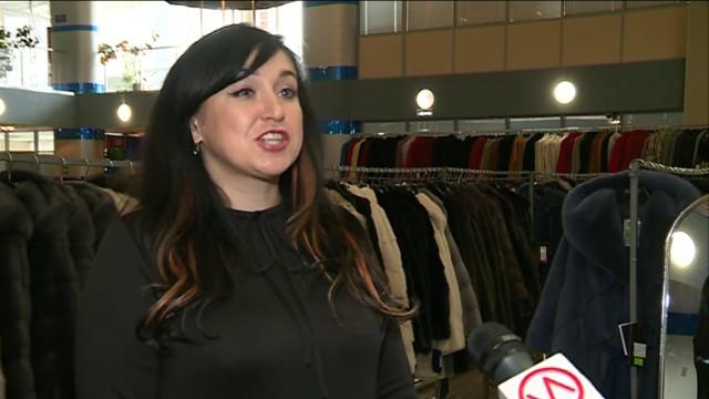 Вделовом центре «Ямал» открылась выставка-продажа шуб ипальто меховой фабрики «Кристи».