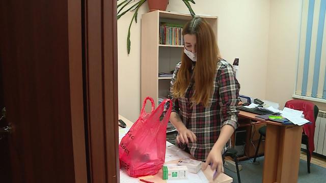 Участники городского волонтёрского штаба помогают людям насамоизоляции