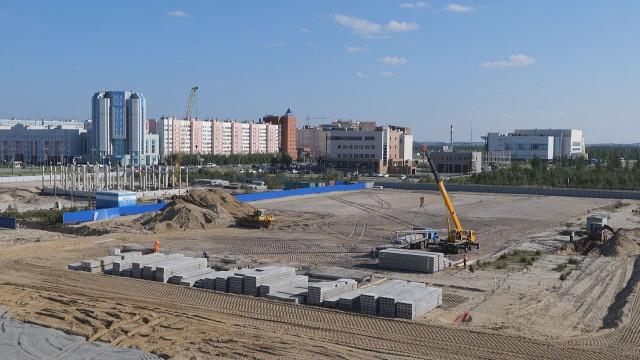 Заместитель губернатора ЯНАО Андрей Воронов проверил, как строители соблюдают требования Роспотребнадзора