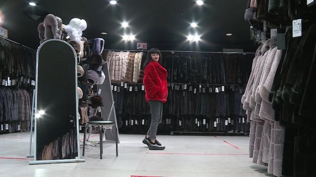 Выставка меховых изделий «Ангелина Сэм» проходит вДЦ«Ямал»