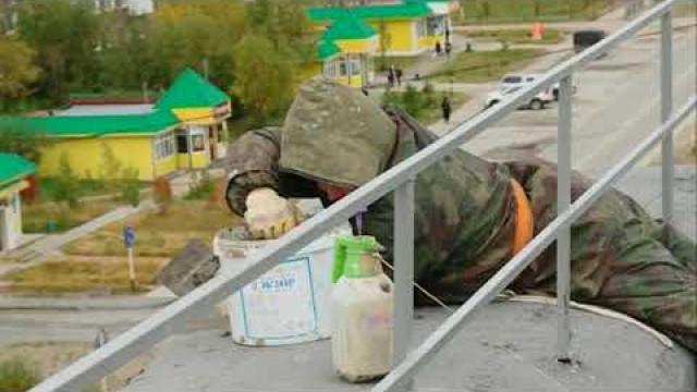 Врайоне Коротчаево продолжается капитальный ремонт многоквартирных домов.