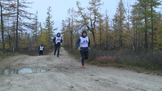 Любители бега преодолели 14километров потундре