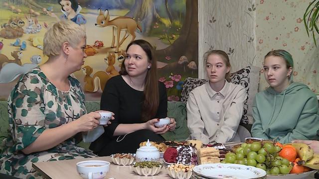 Депутат Законодательного Собрания ЯНАО встретилась сновоуренгойскими многодетными семьями