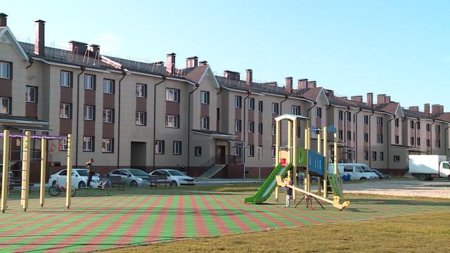 Жители Коротчаево обсудили спервым замглавы администрации города оплату засодержание жилья