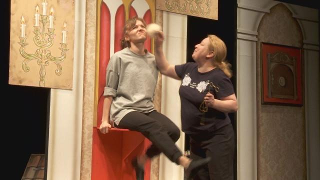 Актёры театра «Северная сцена» возвращаются кпоказам спектаклей впривычном формате