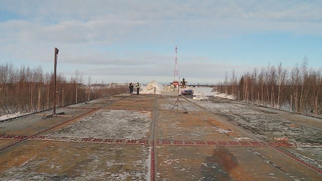 Строительство моста через реку Морельва-Яха завершится уже этой осенью