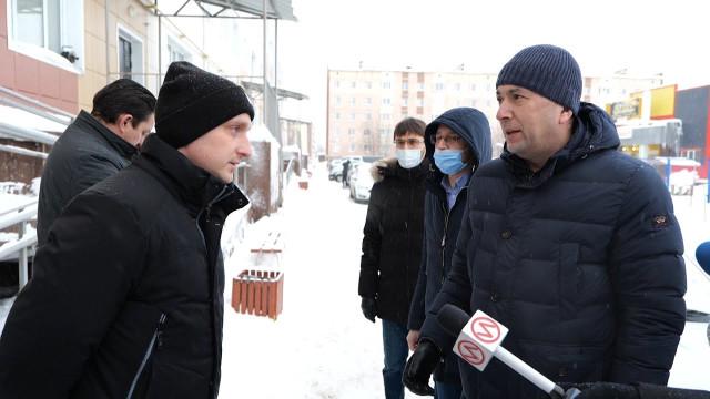 Глава города встретился сновоуренгойцами, которые жалуются нахолод вквартирах