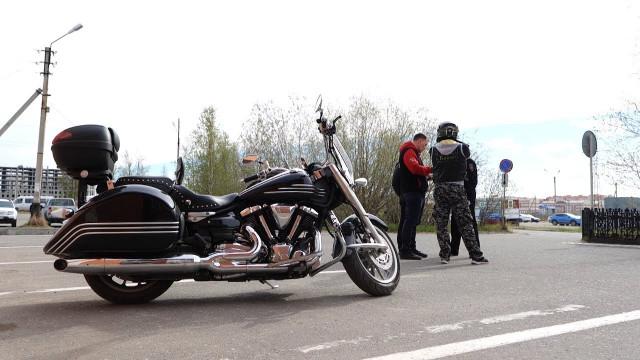 Госавтоинспекторы имотоциклисты обсудили безопасность надорогах