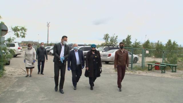 Заместитель Губернатора ЯНАО Андрей Воронов посетил Коротчаево иЛимбяяху