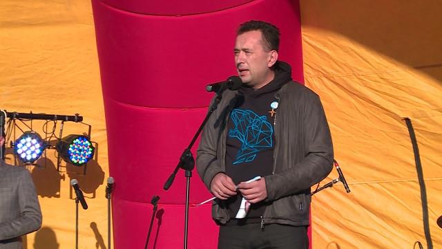 Андрей Воронов провёл приём граждан вКоротчаево ипоздравил жителей Лимбяяхи сДнём района