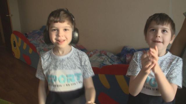 7-летние Виктор иНиколай Воробьёвы нуждаются всрочном лечении вИзраиле