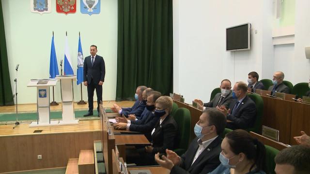 Депутаты Городской думы одобрили кандидатуру Андрея Воронова напост главы Нового Уренгоя