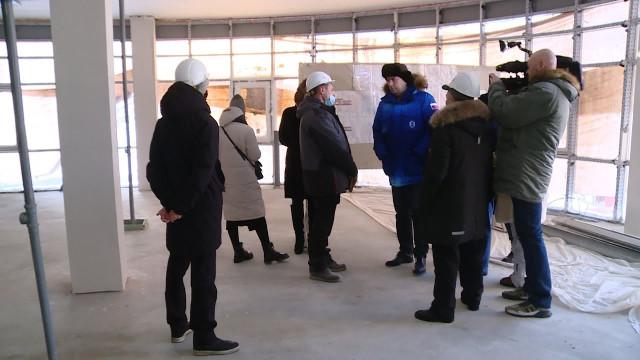 Глава города Новый Уренгой Андрей Воронов проверил строящиеся объекты