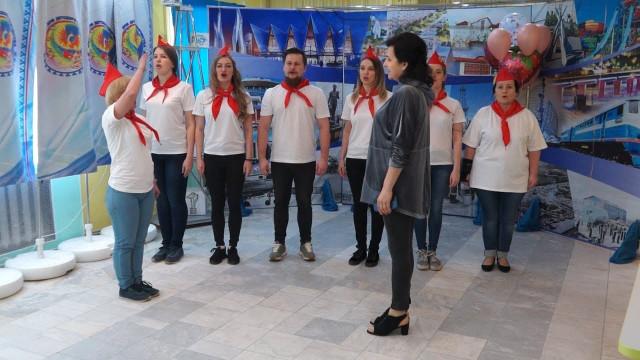 Сотрудники дома детского творчества впервые организовали виртуальный лагерь для юных северян