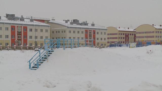 Попросьбе местных жителей вмикрорайоне Оптимистов снежную горку перенесли нановое место