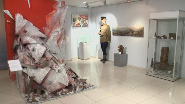 Уникальные предметы трёх разных временных периодов представили наэкспозиции вновоуренгойском музее изобразительных искусств