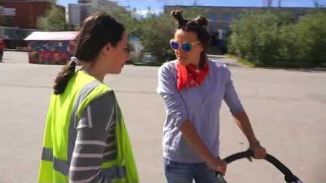 Новоуренгойские подростки избавляют город отмусора.