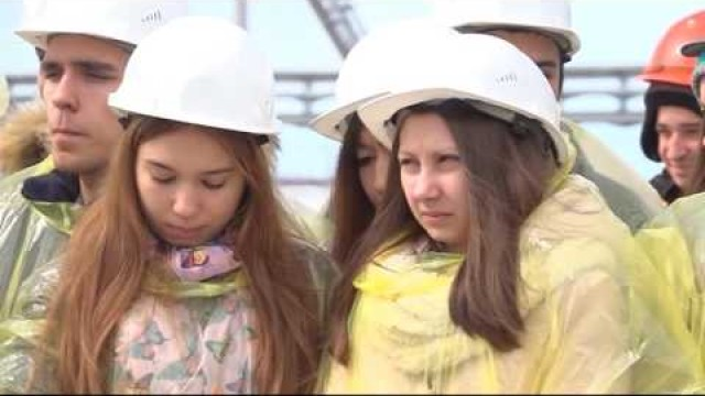 Сотрудники АО«РОСПАН ИНТЕРНЕШНЛ» провели экскурсию поУКПГиК №1для студентов новоуренгойского техникума.