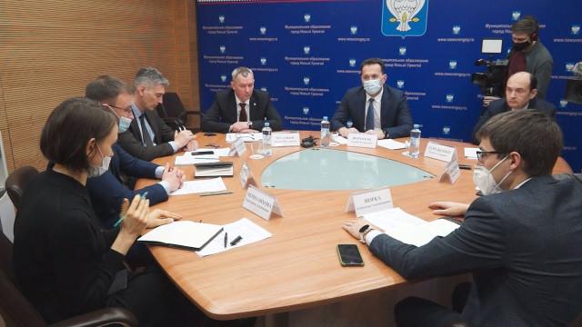 Глава города Андрей Воронов обсудил сзоозащитниками проблемы бездомных животных