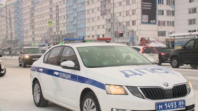 Госавтоинспекторы проверили, соблюдаютли водители такси необходимые требования