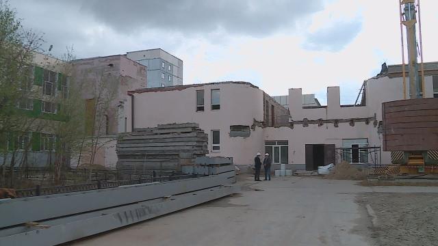 Вздании бассейна спортивной школы началась масштабная реконструкция