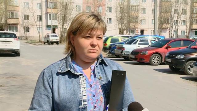 Специалисты компании «Уренгойжилсервис» приступили кблокировке водоотведения вквартирах неплательщиков