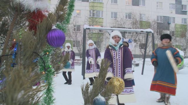 Новый Уренгой присоединился квсероссийской акции «ЁЛКИ АРТ»