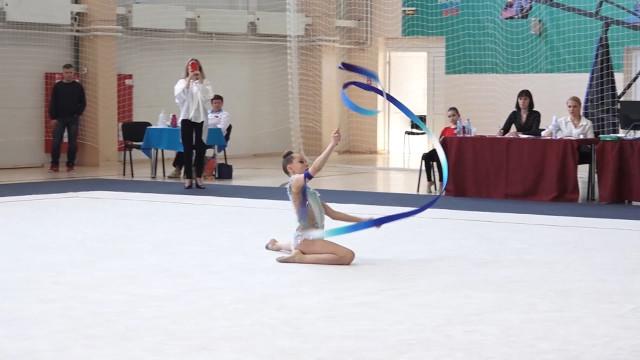 ВНадыме прошли открытые региональные соревнования похудожественной гимнастике