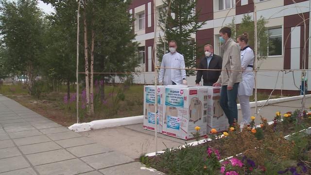 Газодобытчики подарили инфекционному госпиталю на базе ПНД кислородные концентраторы