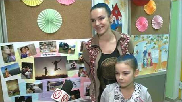 ВМолодёжном центре состоялся фестиваль-конкурс, посвящённый Дню матери.
