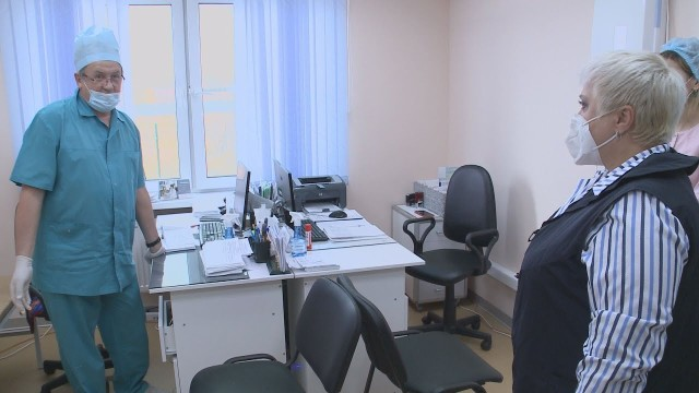Представитель губернатора обсудила сжителями Коротчаево иЛимбяяхи оказание медицинской помощи