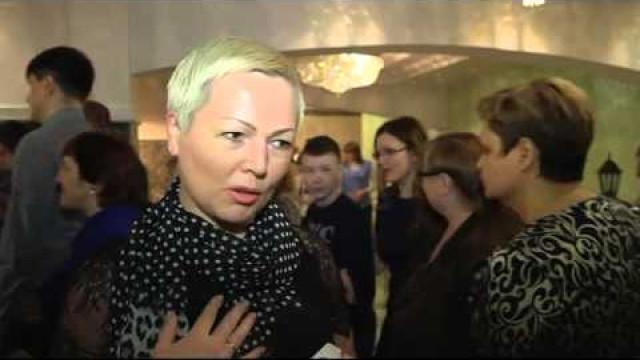 Новоуренгойские зрители познакомились слитературно-музыкальной постановкой «Несвятые святые».
