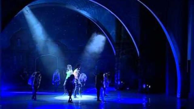 Ирландское шоу Rhythm ofthe Dance покорило новоуренгойскую публику.